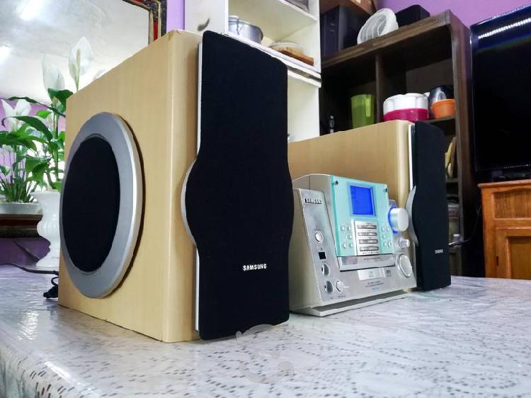 Micro samsung hi-fi pará usar sólo como amplifica.