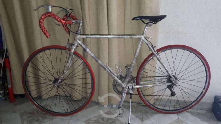 Bicicleta marca raleigh de ruta r25