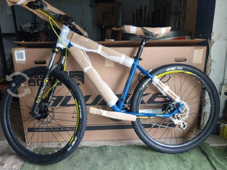 Bicicleta de montaña alubike