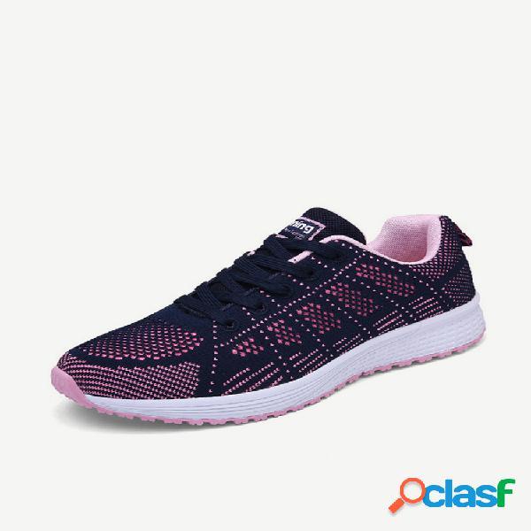 Temporada deportes zapatos para mujer zapatos para correr tejidos voladores zapatos de malla transpirable malla liviana baja para ayudar a los estudiantes zapatos casuales de malla