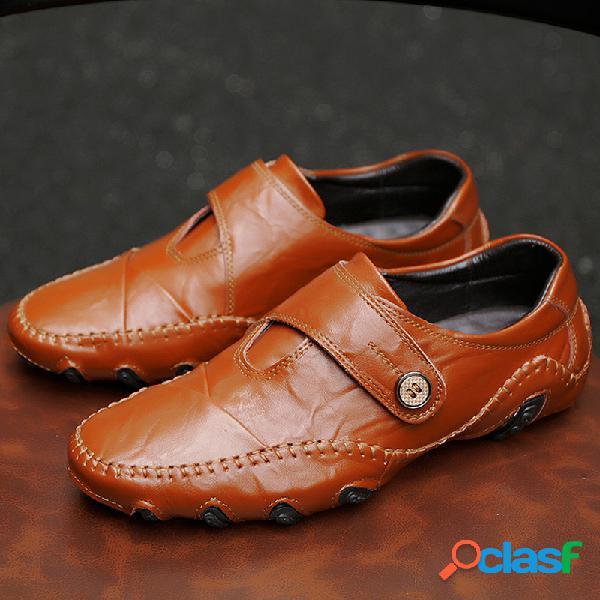 Zapatos de conducción ocasionales antideslizantes de cuero cosidos a mano para hombres