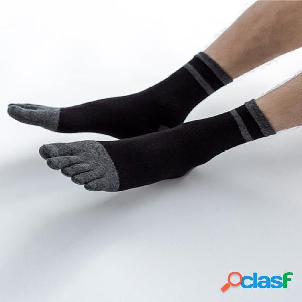Hombre algodón deporte color sólido cinco dedos calcetines transpirable soft cómodo tubo medio informal calcetines
