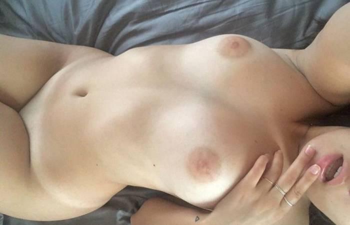 Linda sexy y muy caliente