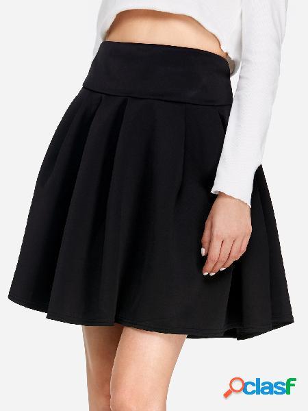 Skater negro mini falda de talla alta con banda elástica