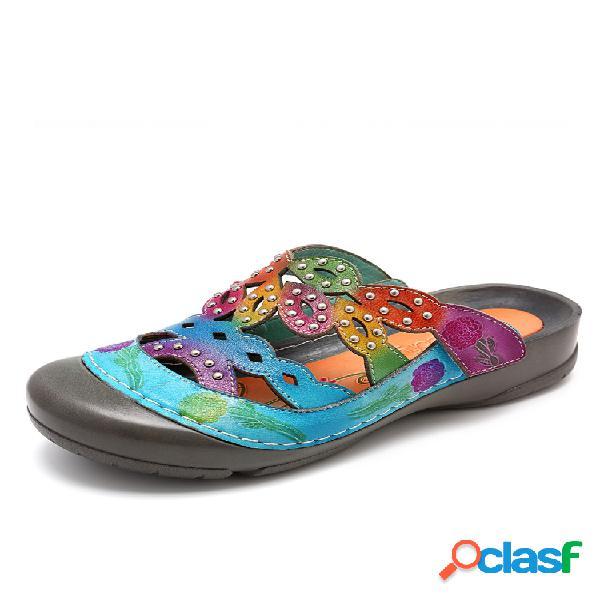Socofy piel genuina flores pintadas a mano patrón costura de remache ajustable gancho bucle sandalias