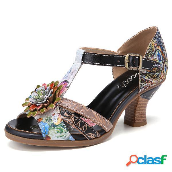 Socofy hebilla de costura de estilo étnico floral en relieve retro t-strap chunky heel sandalias