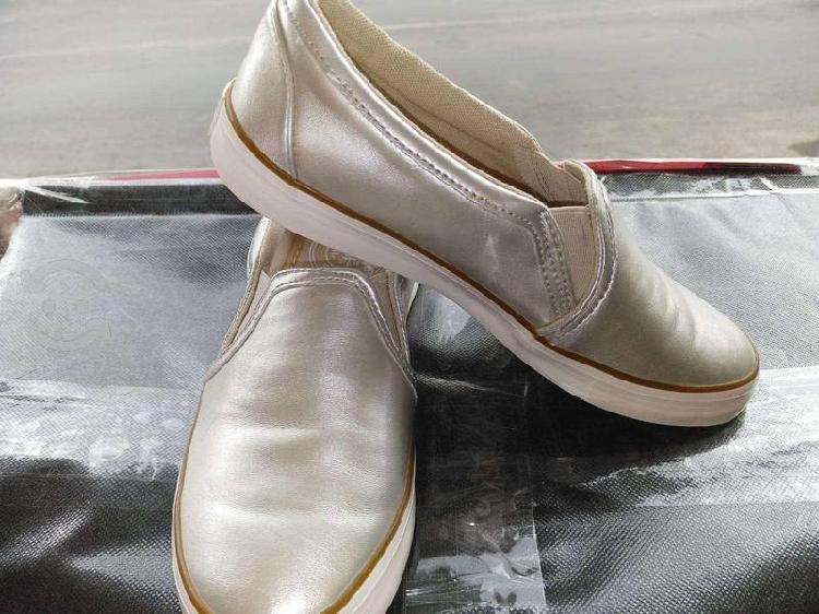 Comodos zapatos y botas