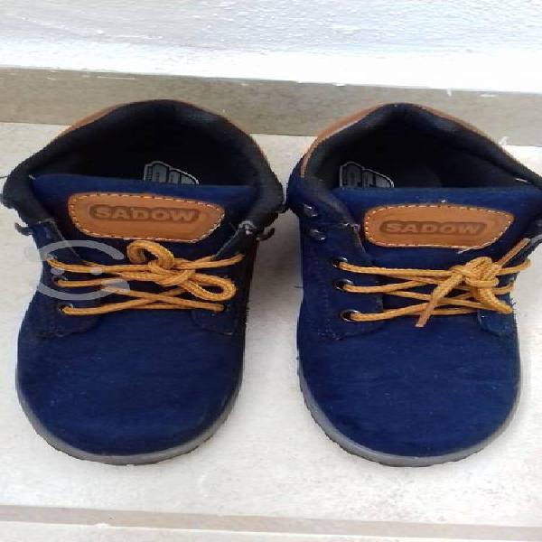 Baba zapatos azules
