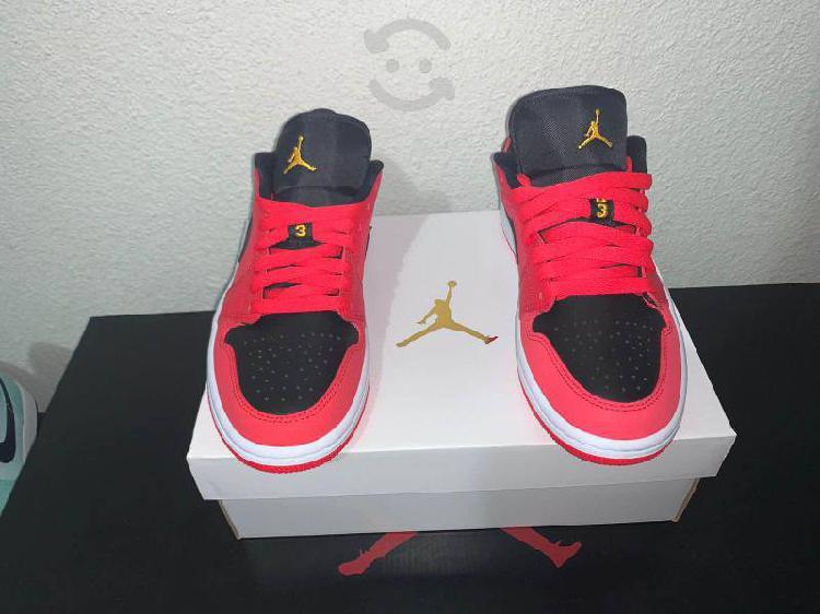 Jordan 1 low siren red #23.5