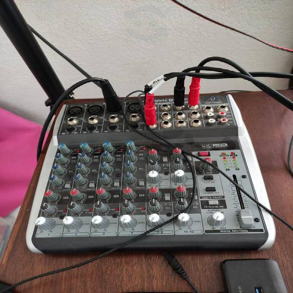 Consola 8 canales behringer usb 1202 usb