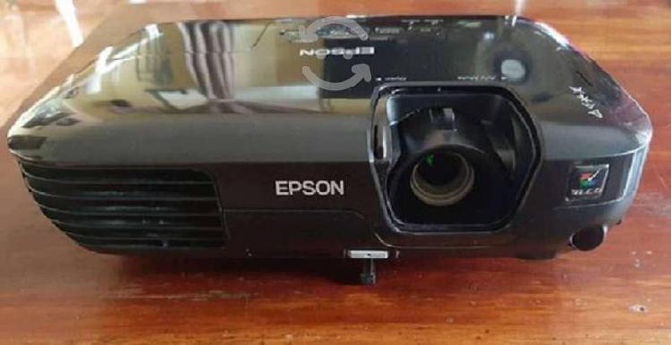 Proyector epson s10+ seminuevo con sus accesorios