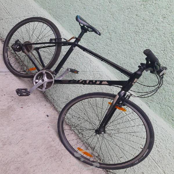 Bicicleta giant escape 3 r700