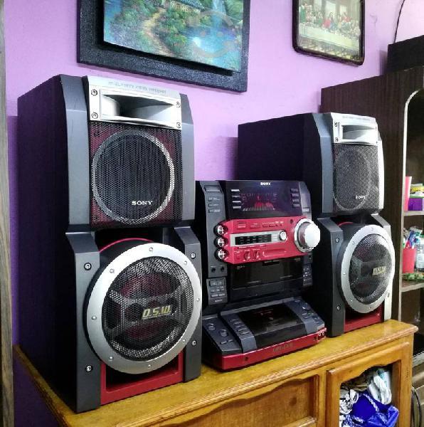 Potente estéreo sony hi-fi mod. lbt-lx8...