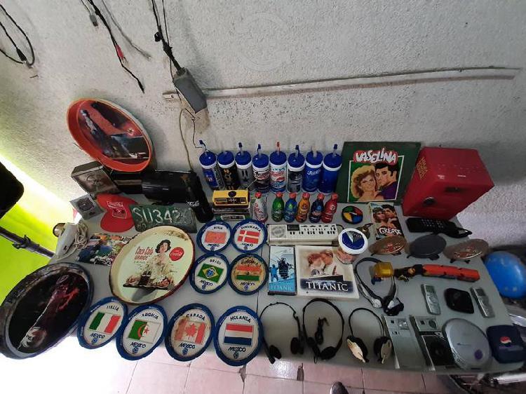 Varias cosas de colección o decoración