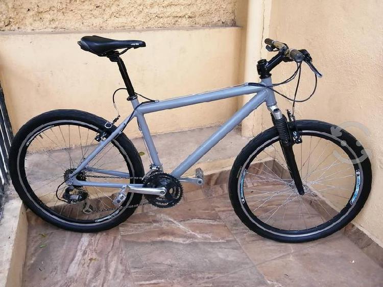 Bicicleta alubike r26 aluminio