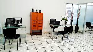 Renta tu oficina y goza de una perfecta ubicación con
