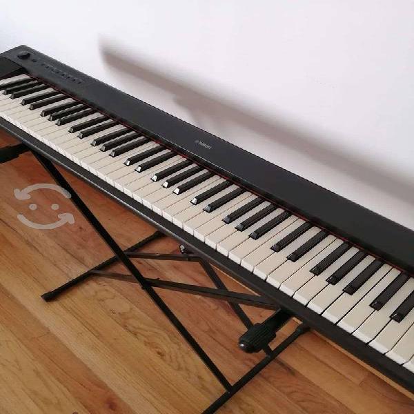 Teclado Yamaha Piaggero NP-31