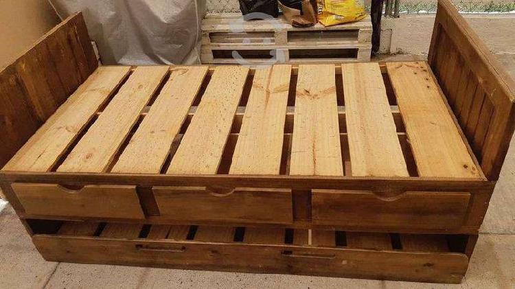 Cama doble individual en madera de pino c/cajones