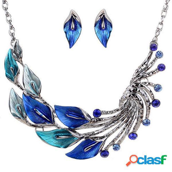 Conjunto de collar de hoja y pavo real con pendientes de gota de cristal