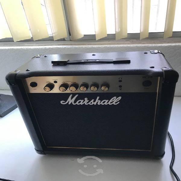 Amplificador para guitarra eléctrica marshall mg15