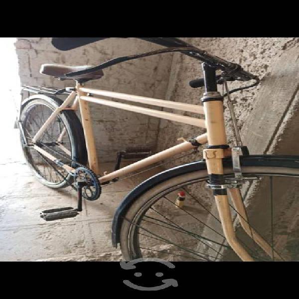 Bicicleta antigua rodado 28