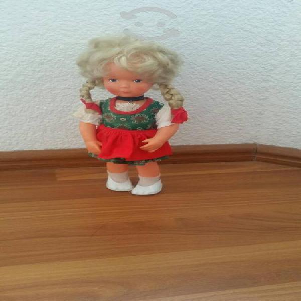 Muñeca americana antigua