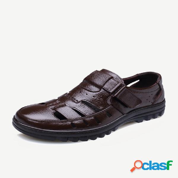 Hombres piel genuina hollow out gancho loop casual sandalias