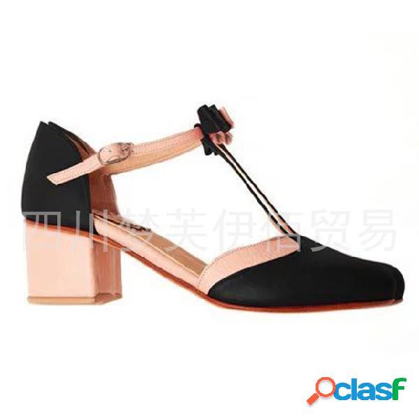 Mujer hebilla hueca de gran tamaño con tacón alto sandalias