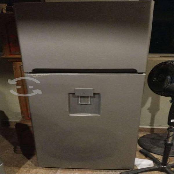 Refrigerador 11 pies cubicos con despachador
