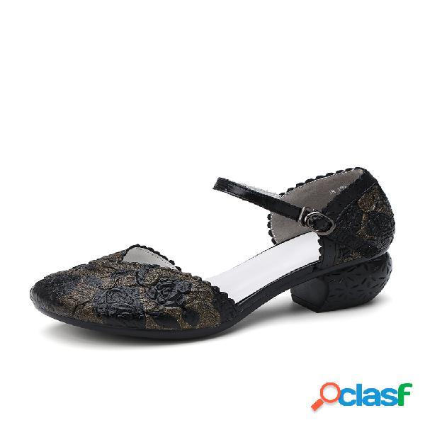 Socofy zapatos retro de cuero con hebilla floral en relieve, correa en el tobillo, tacón en bloque d'orsay