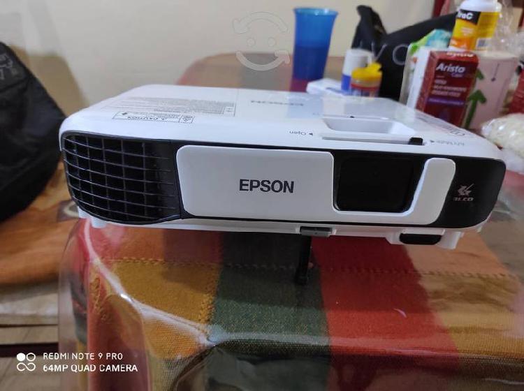 Proyector epson modelo h842a