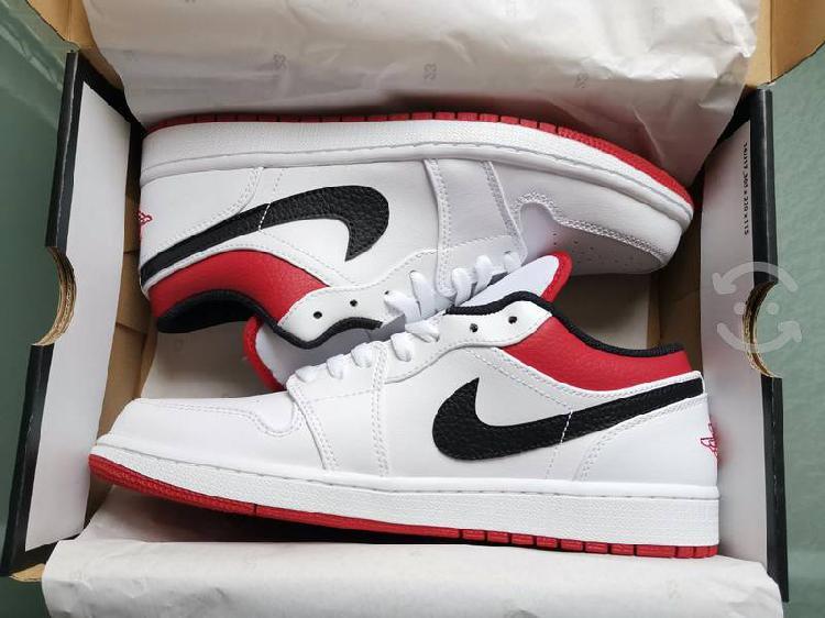 Jordan 1 low white univeristy red 28 mx
