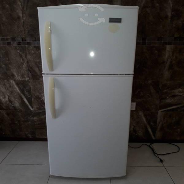 Refrigerador marca frigidaire de 11 pies