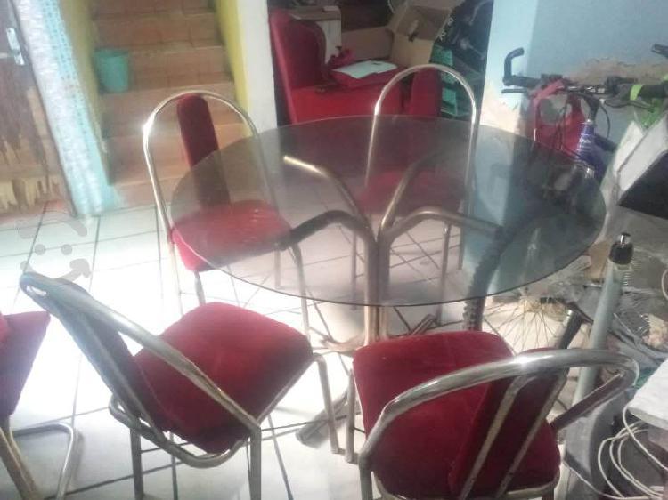 Comedor mesa vidrio 4 sillas usado