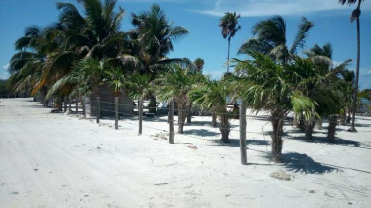 Terreno con playa en mahahual / uvero