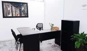 Oficina amueblada disponible