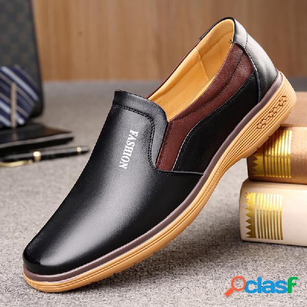 Slip de cuero de microfibra para hombre en zapatos casuales de negocios