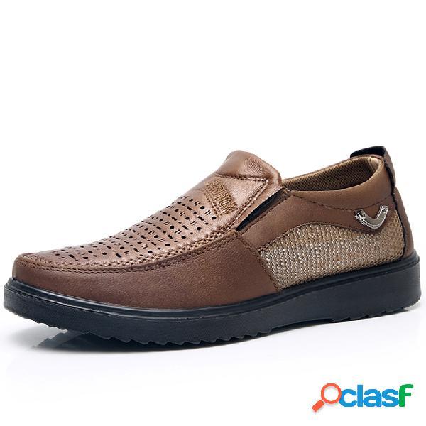 Slip transpirable con agujero de cuero de microfibra para hombre en zapatos casuales soft