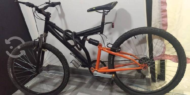 """Bicicleta de montaña rodada 20""""."""