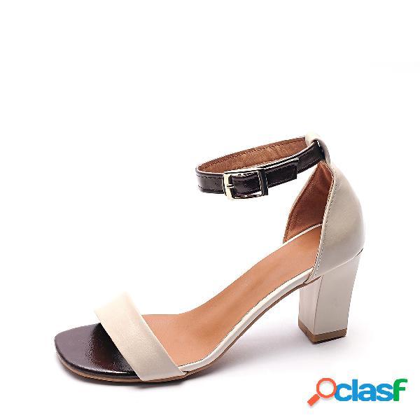 Sandalias de tacón grueso con correa de tobillo marrón peep toe