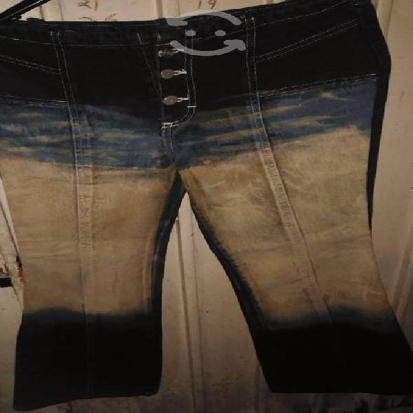 Dos pantalones de mezclilla acampanados talla 9