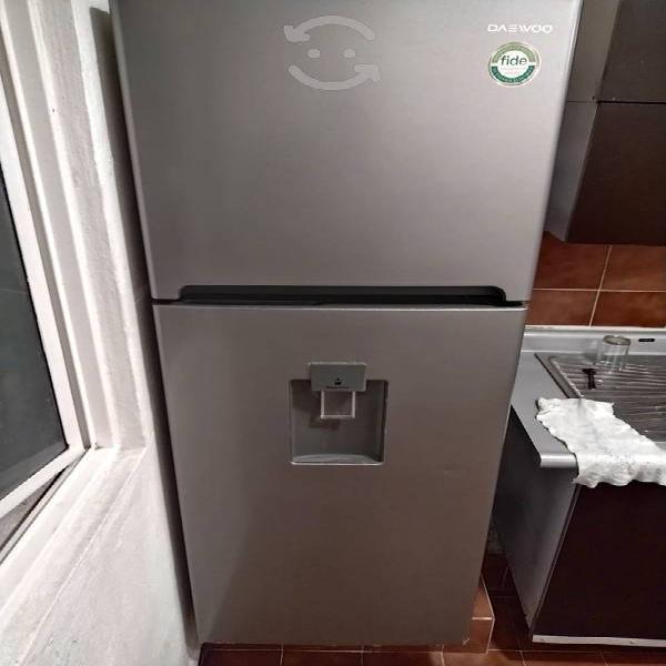 Vendo refrigerador con dispensador de agua