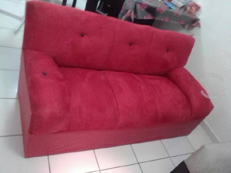 sillón rojo gamuza 1 semana de uso