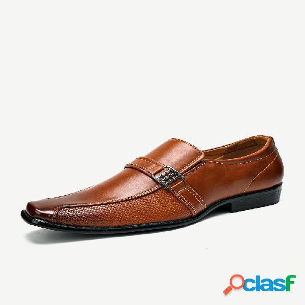 Hombres de cuero de microfibra antideslizante hebilla de metal resbalón en zapatos formales casuales