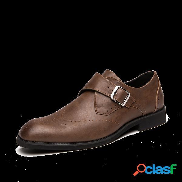 Zapatos formales vestido de cuero de microfibra antideslizante con hebilla de metal brogue