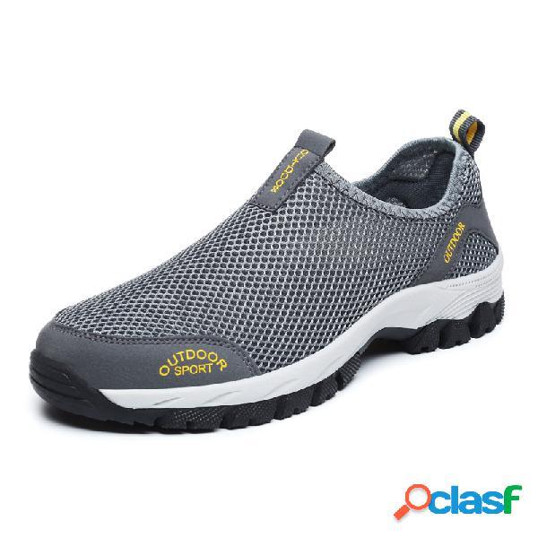 Hombres al aire libre zapatos antideslizantes antideslizantes para caminar sobre malla de agua