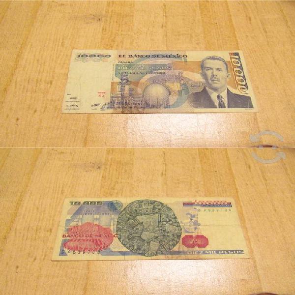 Colección de 11 billetes antiguos.