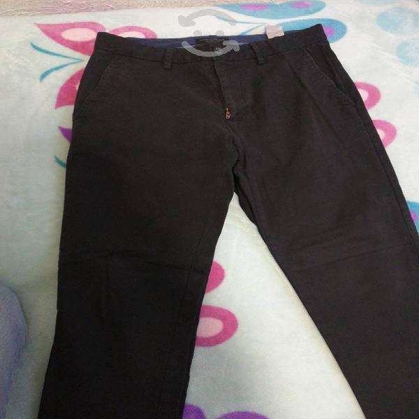 Pantalón azul obscuro