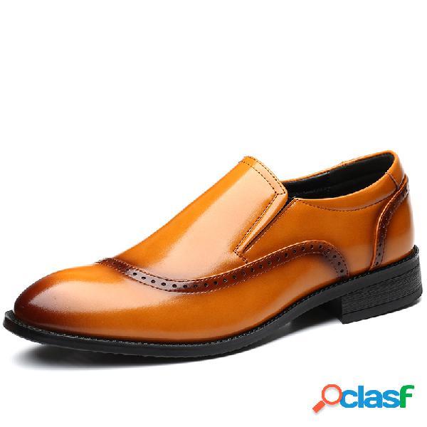 Hombres de microfibra de cuero antideslizante resbalón en zapatos formales casuales brogue
