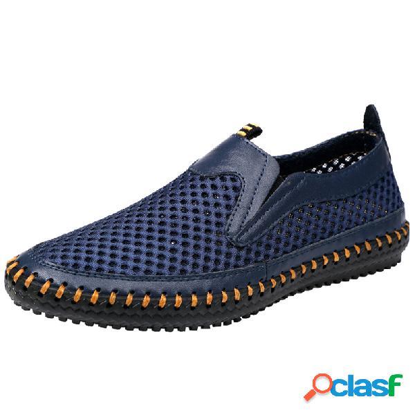 Hombres malla transpirable mano costura antideslizante agua amigable zapatos casuales